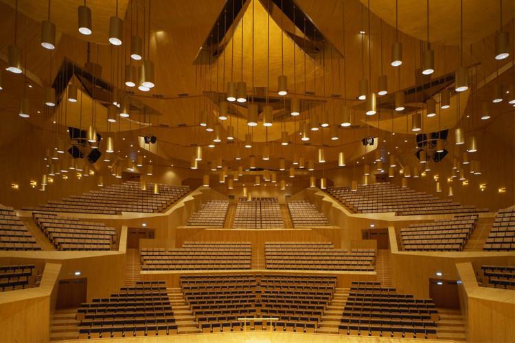 Theatres and auditoriums