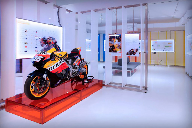 Brand experience Centres